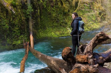 Hike To Lower Punch Bowl Falls